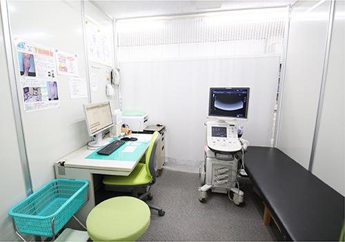 診察室です。ご質問はお気軽になさってください。